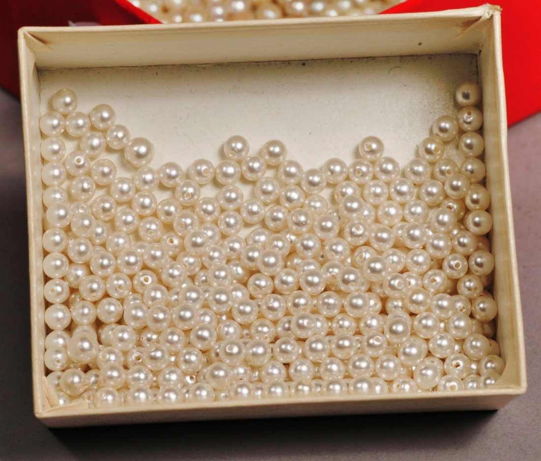 Large Lot of Vintage Cultured Pearls - 3