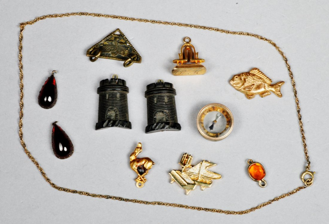 Lot of Misc Vintage & Victorian Jewelry pieces.
