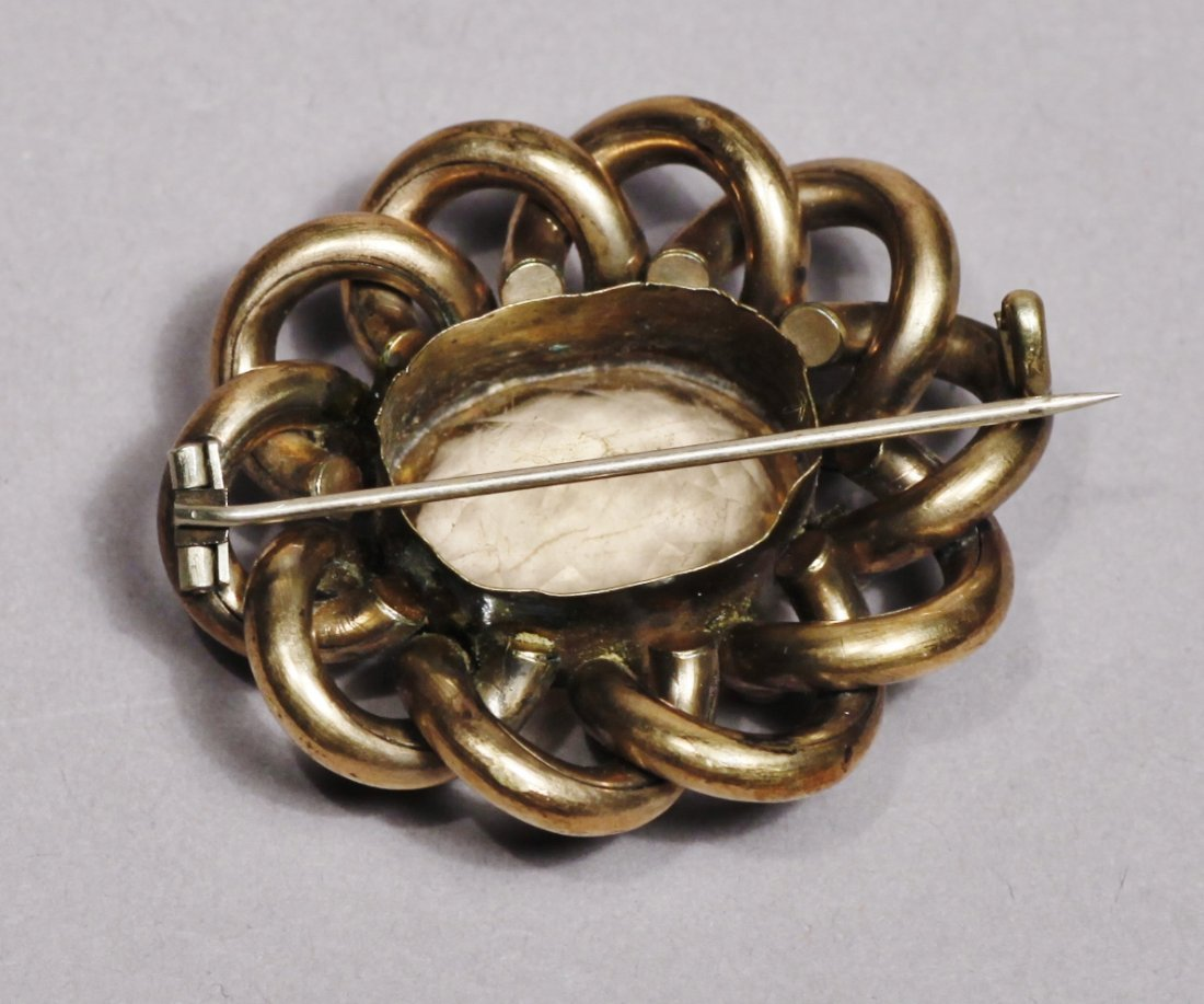 Antique Gold Tone Brooch Victorian - 3