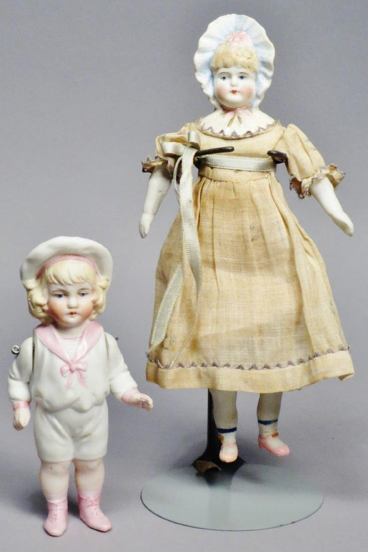 c1880 German Bisque Hertwig Dolls, Molded Hats