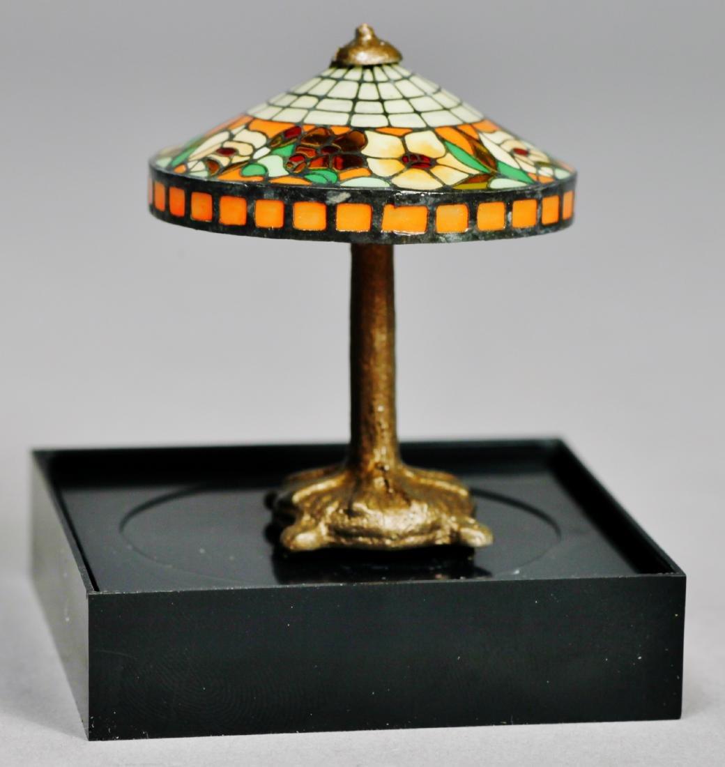 Judy Beals Signed clock plus tiffany style lamp - 4