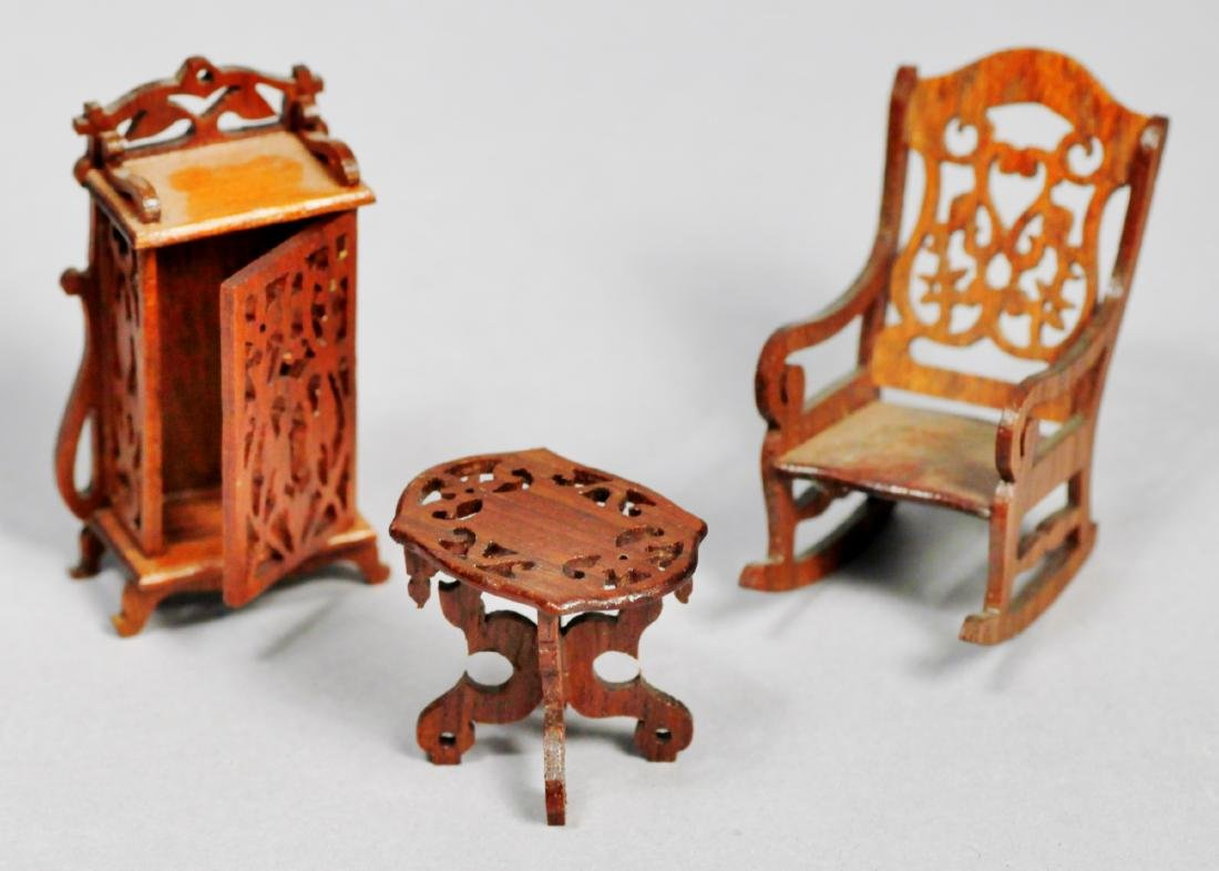 Signed dollhouse &  miniature furniture Joanne Egon PLU - 3