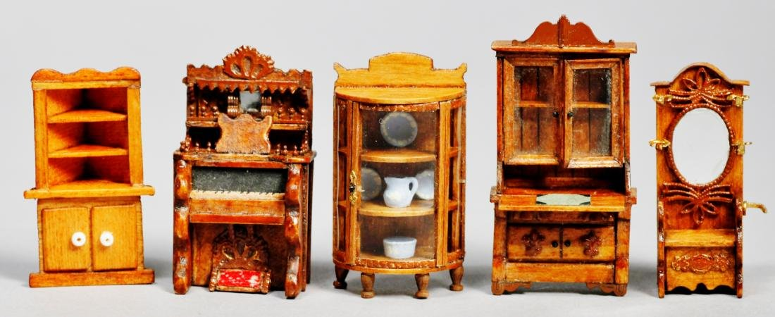 Signed dollhouse &  miniature furniture Joanne Egon PLU - 7