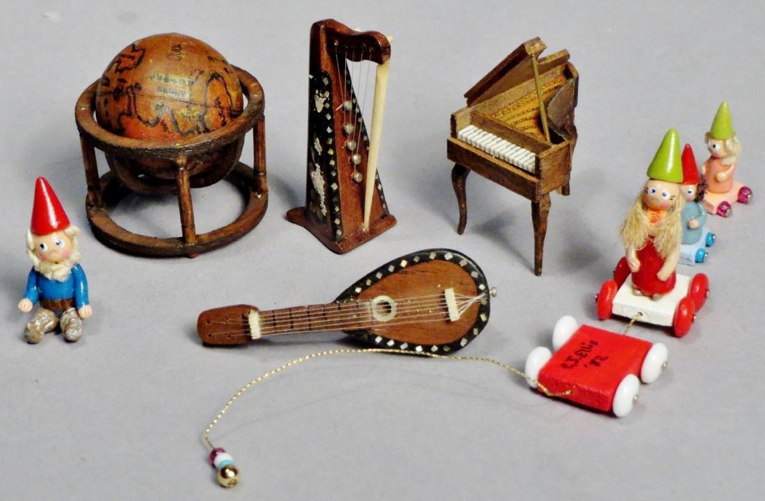 Vintage Dollhouse Miniatures