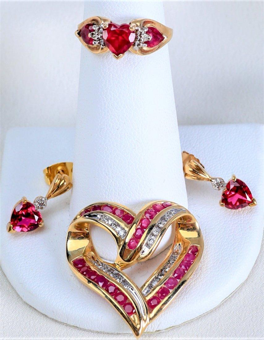 Lovely set of 10k Gold Heart Jewelry