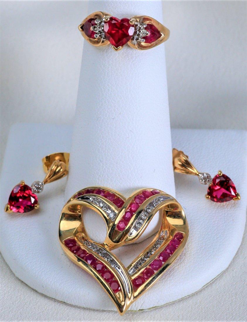 Lovely set of 10k Gold Heart Jewelry - 2