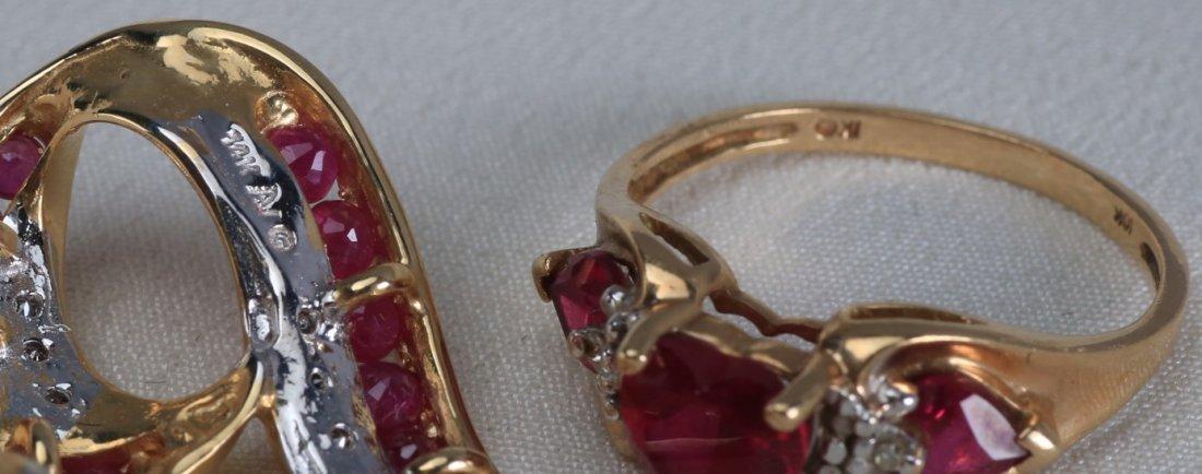 Lovely set of 10k Gold Heart Jewelry - 5
