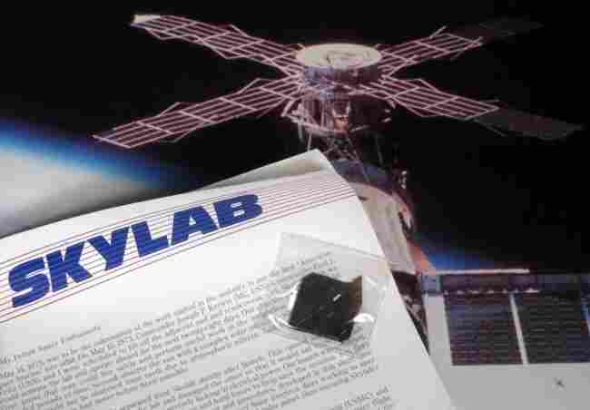 NASA Skylab Poster w/ Piece of Skylab COA