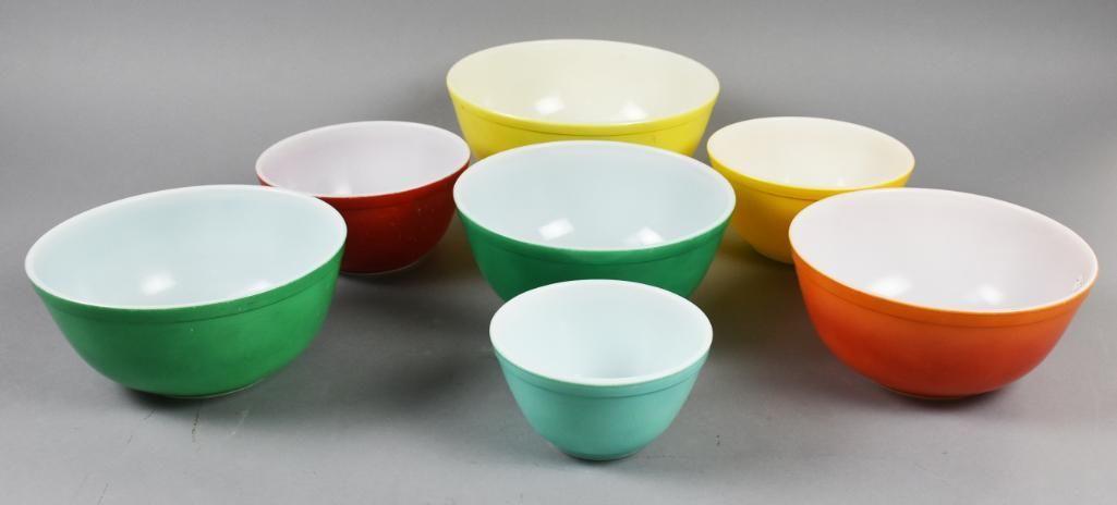 (8) Vintage Pyrex Nesting Bowls