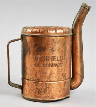 c1930 Richfield Oil Company Swingspout 1 Qt. Oil Can