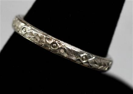 1907 Platinum & 14K Gold Etched Wedding Band