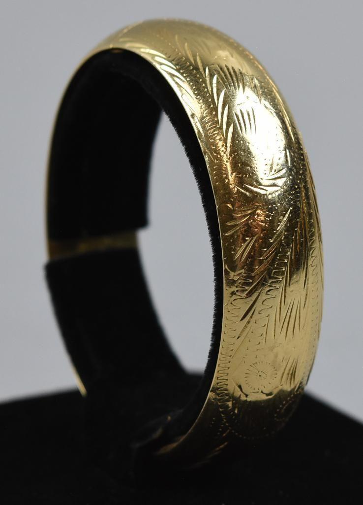 14K Yellow Gold Hinged Bangle Bracelet