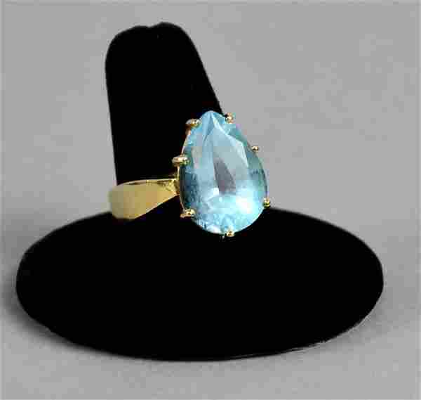 Nice 14k Gold & Blue Topaz Ring