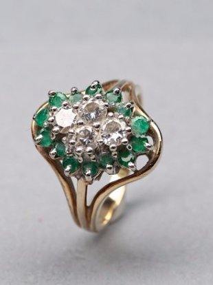 14KP Yellow Gold Emerald and Diamond Ring