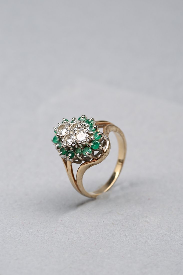 14KP Yellow Gold Emerald and Diamond Ring - 2