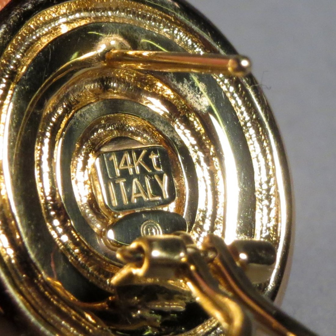 1 Pair 14k Gold Italian Lions Head Earrings - 3