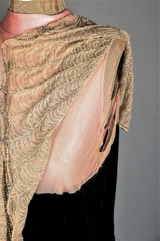 c1930 Black Velvet Flapper Dress, Sheer Cream Nylon - 4