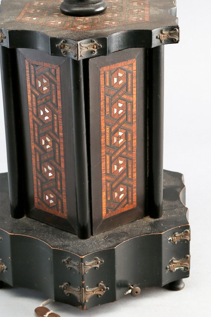 Victorian Rotating Musical Cigar Box, with Key - 3