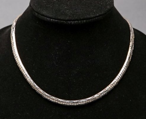 14K White Gold Textured Omega Chain Necklace