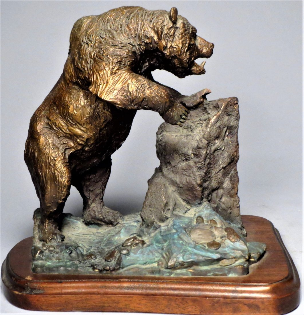 Signed Grizzly Bear Bronze Sculpture Lorenzo Ghiglieri - 4
