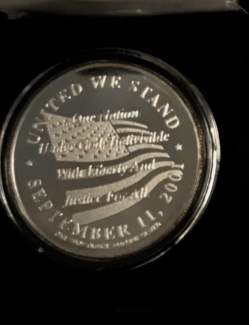 1 tr oz .999 Fine Silver Medallion in Memory 9-11-2001 - 3
