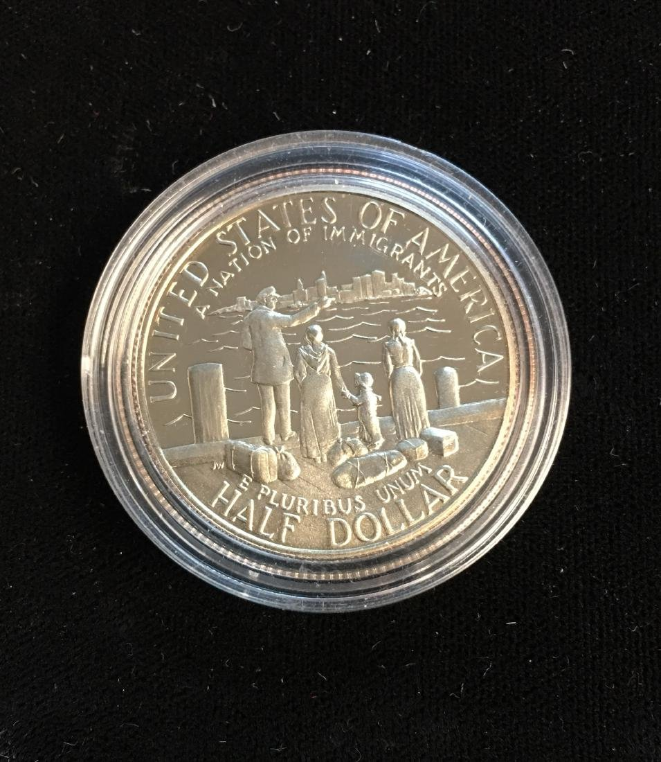 1986-S 50C Statue of Liberty Modern Commemorative Half - 2