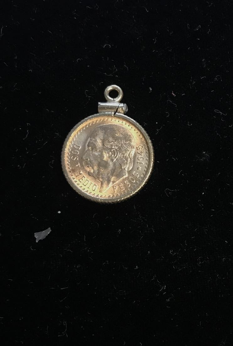 1945 MEXICO 2.5 GOLD PESOS BEZEL