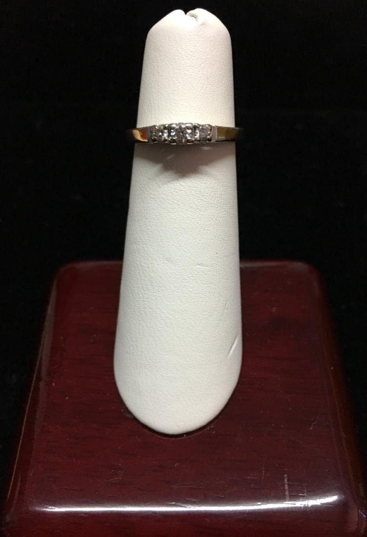 14 Kt White Gold Lady's Ring w/Approx. 1 - 8 pt. - 2