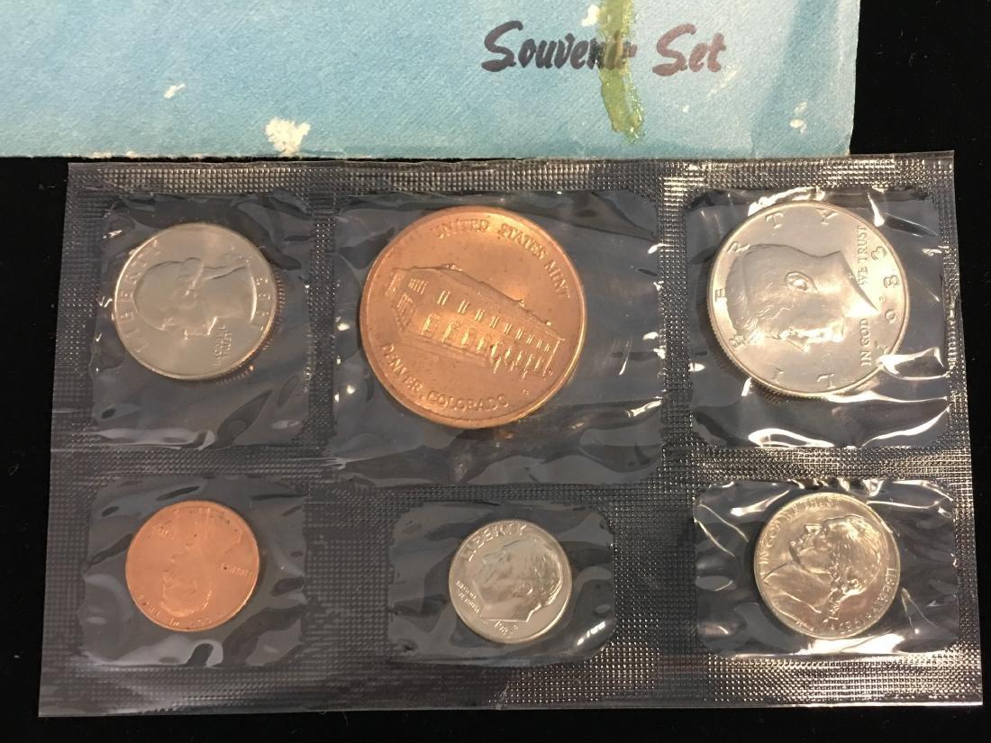 1976 U.S. Mint Bicentennial Souvenir Set - 2