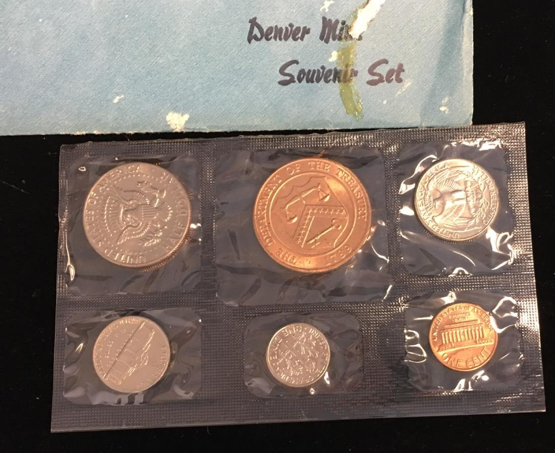 1976 U.S. Mint Bicentennial Souvenir Set - 3
