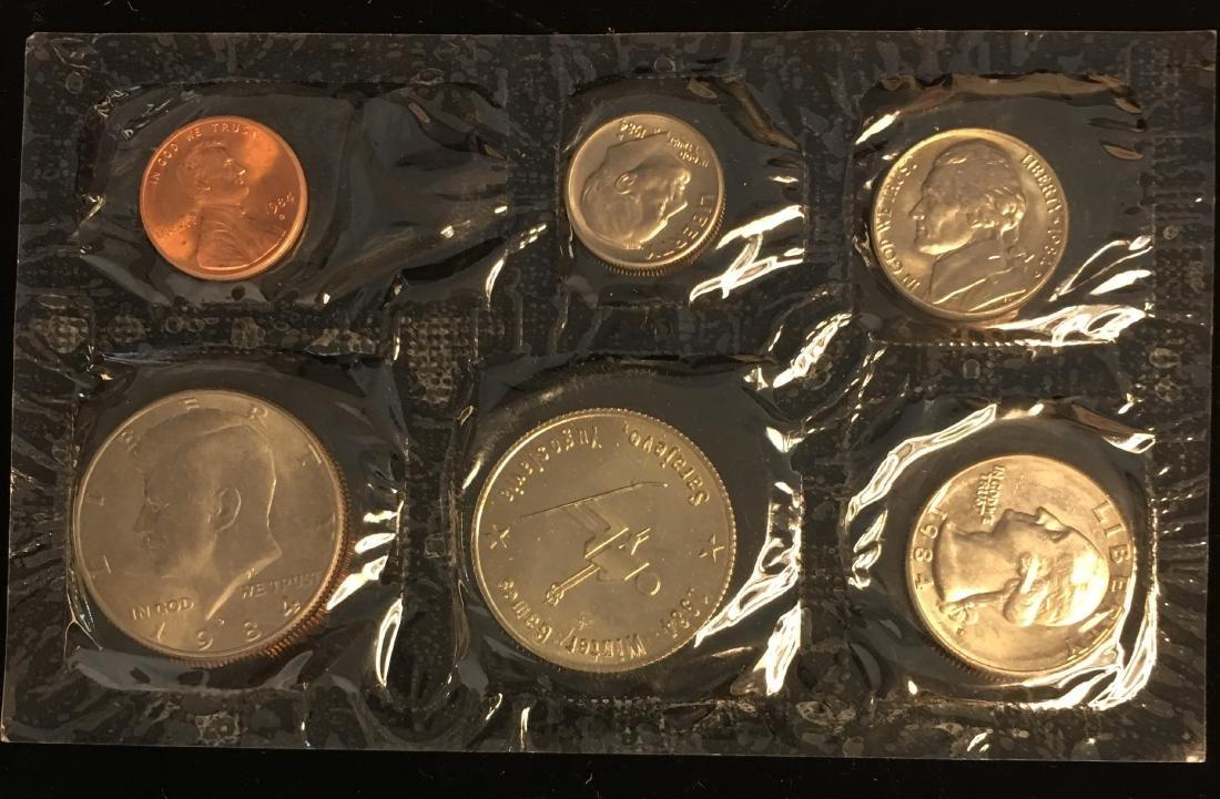 1984 U.S. Mint Set - Commemorating America's Games - - 2