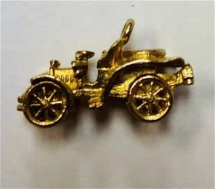 9 K Yellow Gold Vintage Car Charm