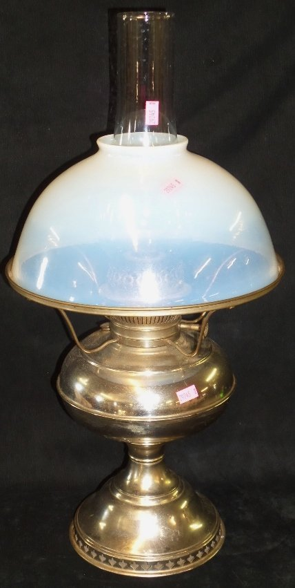 Rayo Oil Lamp w Opalescent Shade