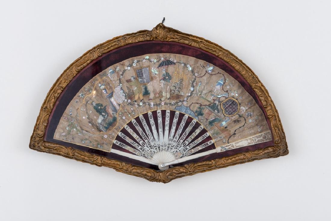 FOLDING FAN WITH COLORFUL GARDEN PARTY