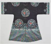 AN EMBROIDERED SILK GAUZE LADY'S SURCOAT, JIAGUA, QING