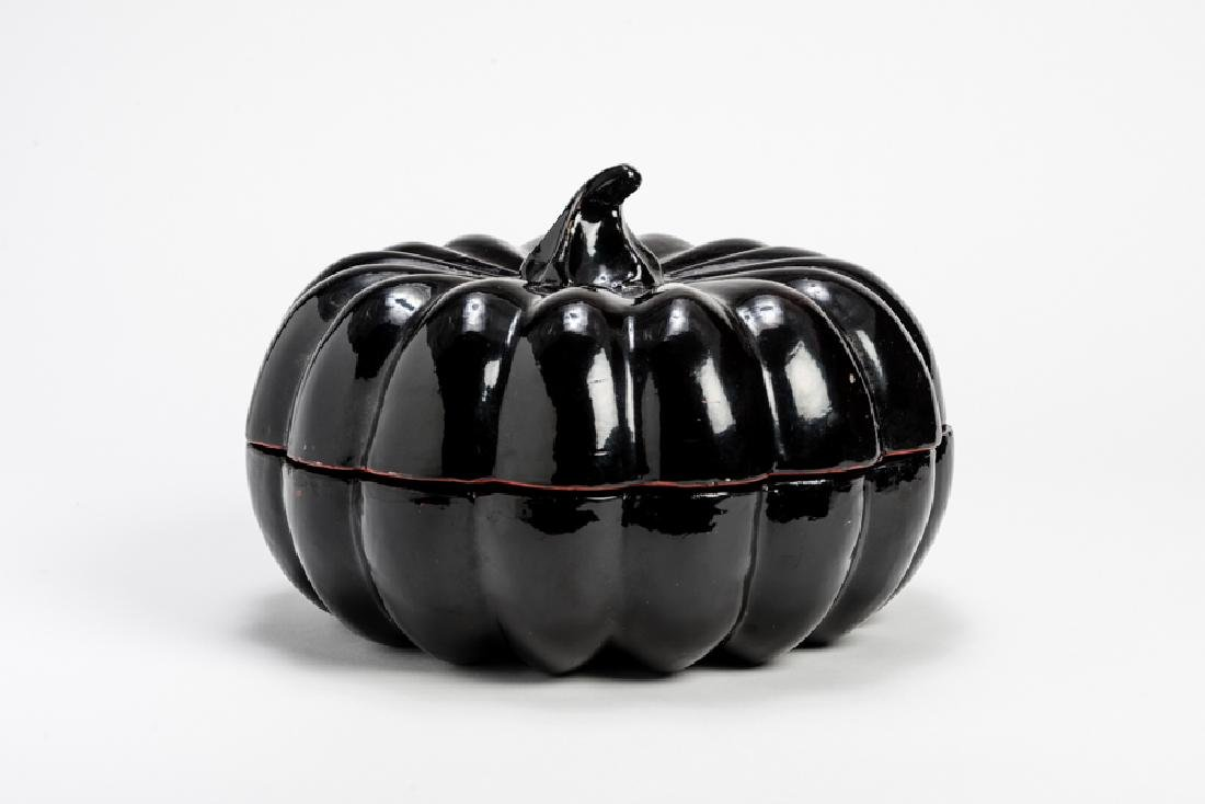 A GOURD-SHAPED KWET BOWL