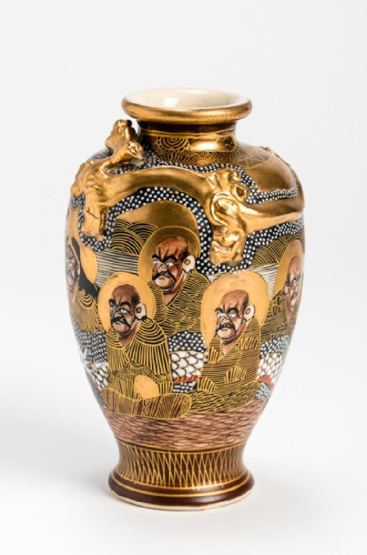 A SATSUMA VASE WITH LUOHANS AND DRAGON - 2