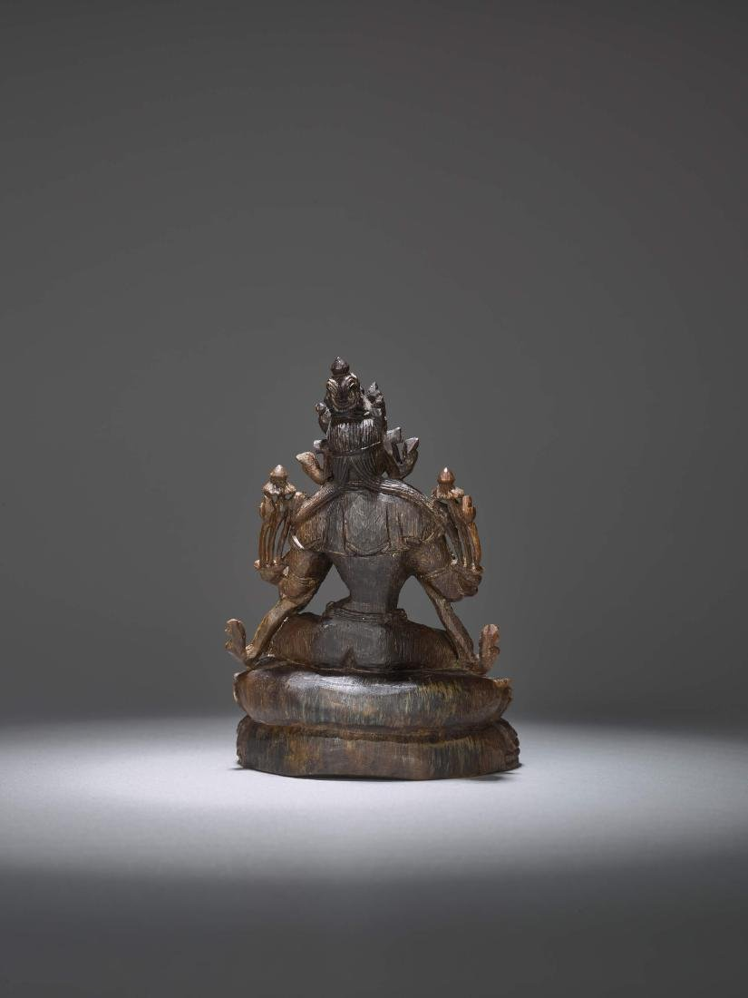 A RARE CARVING OF A GREEN TARA, 17TH CENTURY - 5