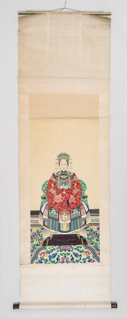 A LARGE QING DYNASTY PAINTING DEPICTING A MANCHU LADY - 5