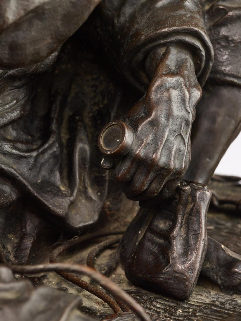 A LARGE BRONZE OF A SANDAL MAKER BY TAKAHASHI RYOUN - 10