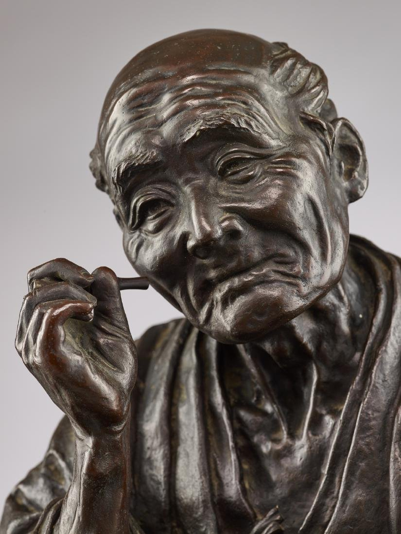 A LARGE BRONZE OF A SANDAL MAKER BY TAKAHASHI RYOUN - 8