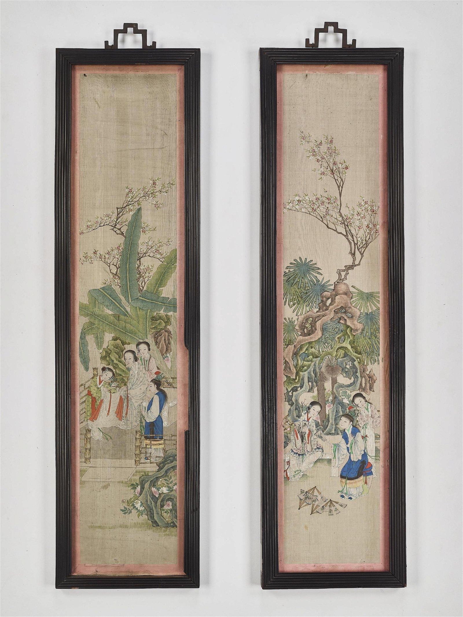 A FINE PAIR OF SILK PAINTINGS, QING
