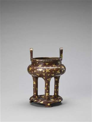 A GOLD-SPLASHED BRONZE TRIPOD CENSER WITH XUANDE MARK