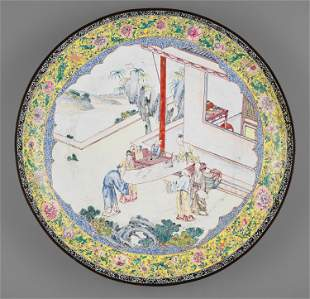 A VERY LARGE CANTON ENAMEL DISH, EARLY 18TH CENTURY