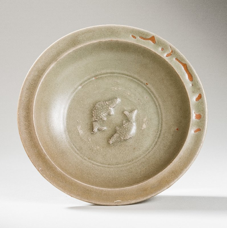 BOWL WITH TWO FISHES