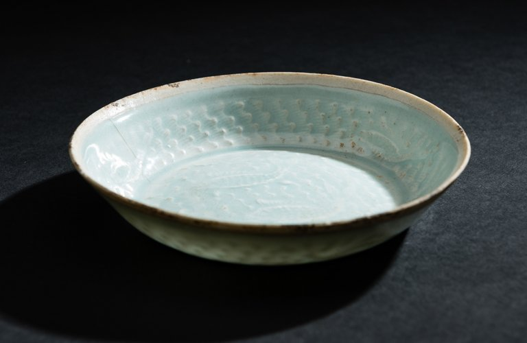 SMALL BOWL WITH FISH