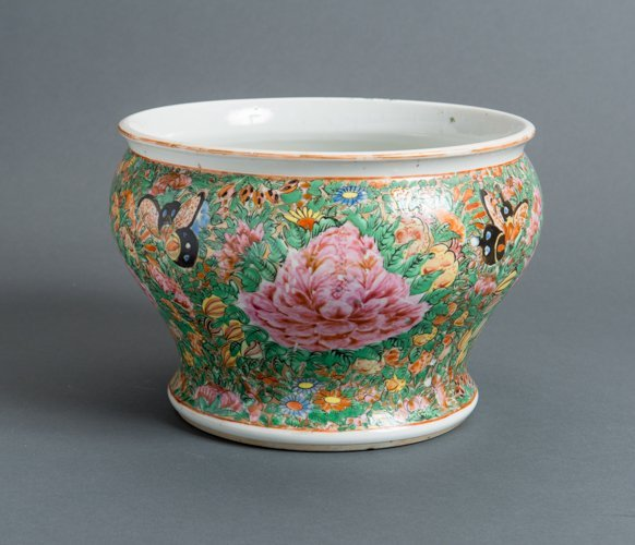 POT WITH FLOWERS AND BUTTERFLIES