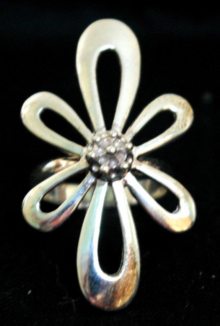 .925 Sterling Silver Flower Ladies Ring