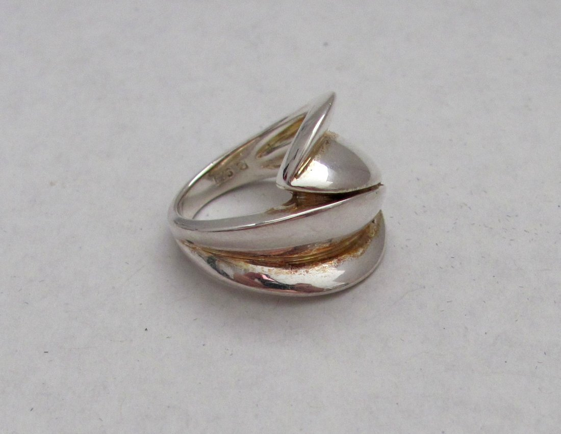 .925 Sterling Silver Ladies Ring - Size 5