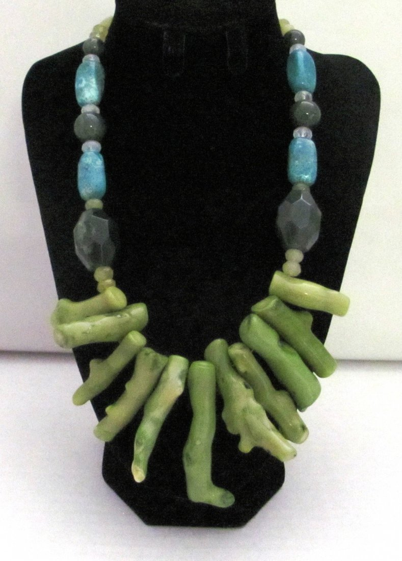 Green Gemstones .925 Sterling Clasp Necklace